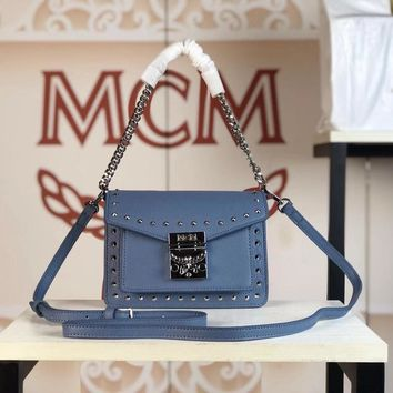 Kuyou Gb79810 Mcm 19 New Patricia Crossbody Bag Blue Twist Chain Wallet In Visetos Studs With Two-tone Leather 18x13x9.5cm