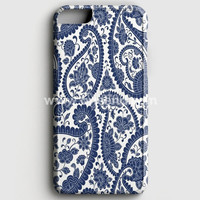 Traditional Paisley Floral Pattern iPhone 7 Case | Aneend