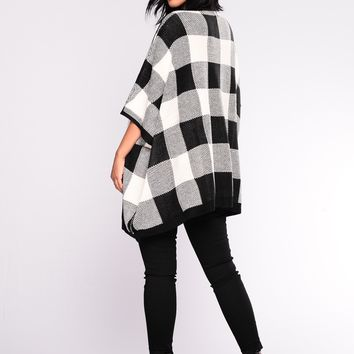 Megi Poncho Cardigan - White/Black