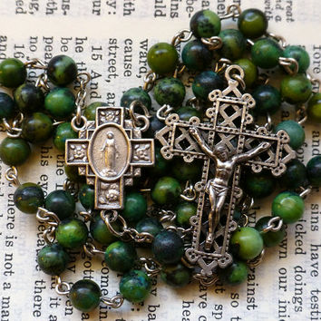 Miraculous Medal Rosary - Virgin Mary, Catholic Rosary, Serpentine in Green Yellow and Blue