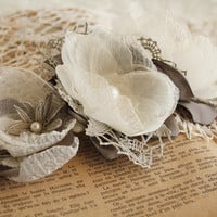Rustic Wedding Hair Comb Ivory Dim Gray Dove gray Vintage Hand Crochet Lace