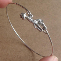 Giraffe Bangle Bracelet, Simple Eve.. on Luulla
