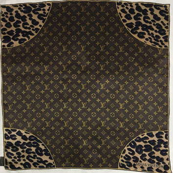 "Free postage  Auth Louis Vuitton silk scarf handrolled (26""x26"") 143"
