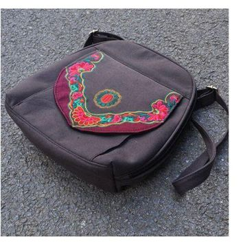 New Yunnan Fashionable National Style Embroidery Bag Stylish Featured Shoulders