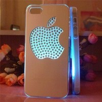 Amazon.com: Flash Light Case Cover for Apple Iphone 5 LED LCD 7 Color Change - Aluminum Big Diomand Apple + a Screen Protector and a Stylus As Gifts - Silver White: Cell Phones & Accessories