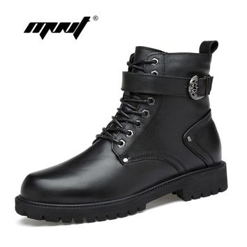 Natural Leather Men Winter Boots Lace Up Warm Fur Ankle Snow Boots Handmade Plus Size Men Autumn And Winter Shoes