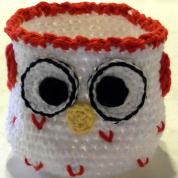 Crochet Owl Basket - White with Red