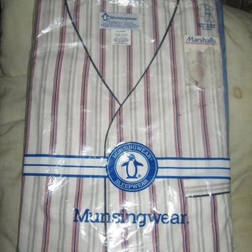 Vintage Munsingwear Mens striped knee length pajamas new in package sz large