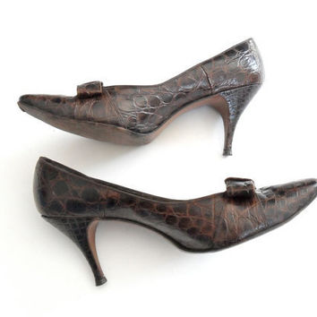 Andrew Geller Shoes in Brown with Alligator Texture & Bow Vintage Size 9 1/2AAA
