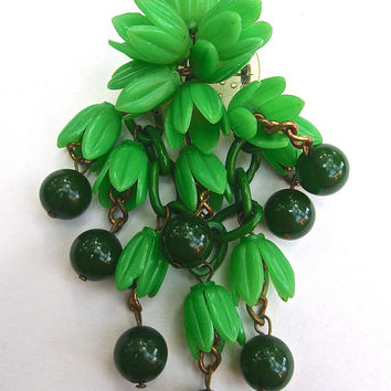 BAKELITE Green Floral & Berry Brooch, Celluloid, Dangles, Vintage