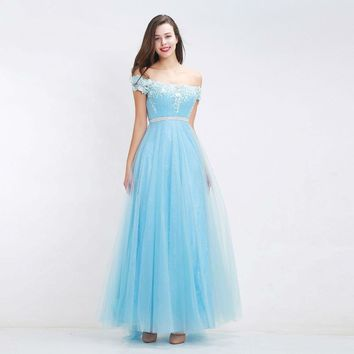 Fantasy Sky Blue Bridesmaid Dresses Boat Neck Off Shoulder Appliques Tulle Simple A-Line Dresses Prom Gowns
