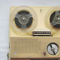 Vintage creamy portable reel to reel recorder / player - Made in USSR