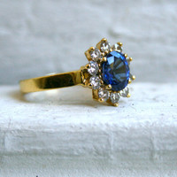 Vintage 18K Yellow Gold Diamond and Sapphire Princess Diana Engagement Ring.