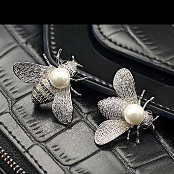 LMFONU3 Shell pearl lovely bees micro inlaid zircon insect brooch