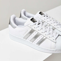 adidas Originals Metallic Stripe Superstar Sneaker - Urban Outfitters