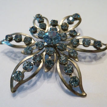 Vintage blue rhinestone silver star brooch 1950s 1960s costume jewelry prom spring wedding