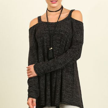 Umgee open shoulder knit top with flowy A-line body oreo color