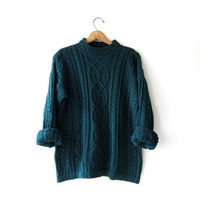 vintage dark green sweater. cable knit pullover. oversized sweater.