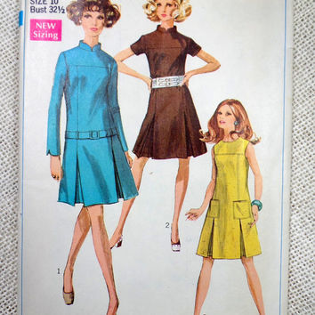 Vintage Pattern Simplicity 7943 1960s 1968 pleated Skirt drop waist Dress Mod bust 32.5 high neck drop waist Belted