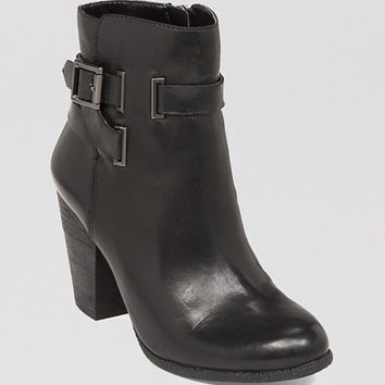 VINCE CAMUTO Booties - Harriet