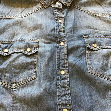 Women's  Forever 21 Denim Shirt pearl snaps Large Long Sleeve