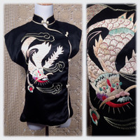 Sale !!! 1940s Embroidered Silk Dragon Chinese Blouse / Beautiful Black Silk Manedrin Collar Top With Stunning Embroidery