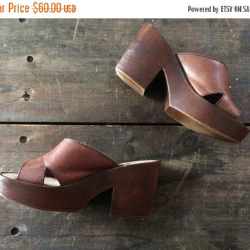 MAY SALE SIZE 6.5 Vintage 1970s Platform Shoes Leather Platform Sandals 1970s Wedges Retro Yo-Yos by Connie 70s Platform Wedge Sandals Boho