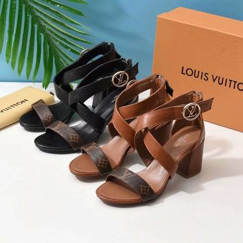 Louis Vuitton LV Women Rivets Luxury Popular Leather Sandal Plain Casual Party Sandal