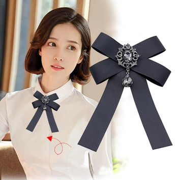 2018 new vintage bowknot Brooches Retro crystal Rushed Pin Broche Manual Bow Brooch Women Clothing Accessories College Cloth Art