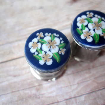 "Pair of VINTAGE Hand-Painted Japanese Floral Plugs - Handmade Girly Gauges - 4g, 2g, 0g, 00g, 7/16"", 1/2"" (5mm, 6mm, 8mm, 10mm, 11mm, 12mm)"