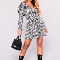 Walk On By Gingham Coat - Black/White