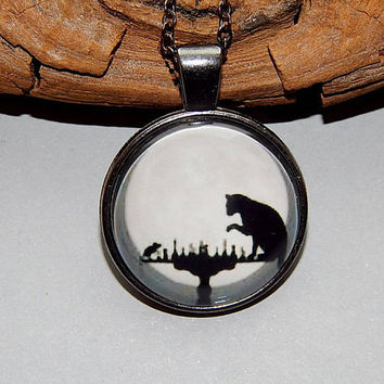 Chess pendant keychain, Cat Mouse Silhouette, Cat and Mouse Playing Chess in the Moon jewelry keychain, moon cat and mouse keychain