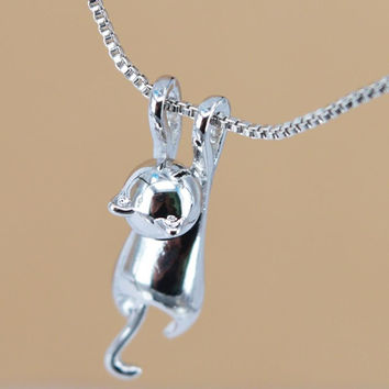 Women 3D Cute lovely Climbing CAT Silver plated  Cats Pendant Kitten Necklace Fashion jewelry N  E5441a
