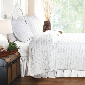 King size 3-Piece Quilt Set with 2 Pillow Shams 100% Cotton White Ruffles