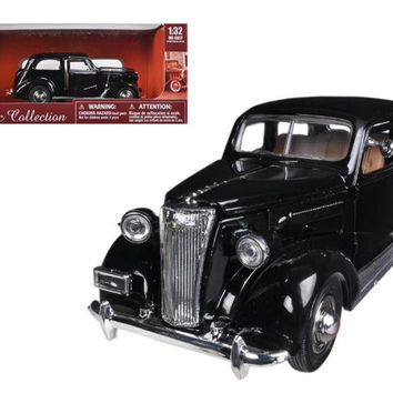 1937 Chevrolet Master Deluxe Town Sedan Black 1-32 Diecast Model Car by New Ray