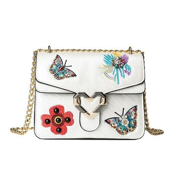 2017 Luxury Brand Women Bags Fashion Embroidery Shoulder Bag Ladies Bow Flowers Embroidered Handbags Love Lock Crossbody Bag Sac