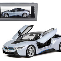 BMW i8 Ionic Silver-Matt Blue 1-18 Diecast Model Car by Paragon
