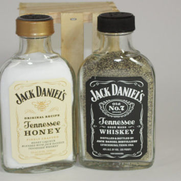 Glass Jack Daniel's Salt & Pepper Shakers, Jack Daniel's Black Label, Jack Daniel's Honey, Upcycled Liquor Bottles