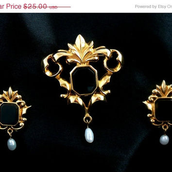 "ON SALE Avon ""Genuine Onyx"" Brooch and Earring Set Victorian Style"