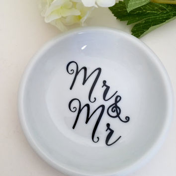 Mr & Mr Ring dish, engagement gift, jewelry dish, anniversary gifts, couples gifts, Trinket dish, jewelry dish, Gay Wedding Gift