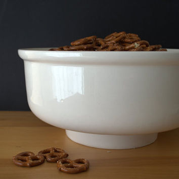 Large Ceramic Mixing Bowl, Footed California Pottery Bowl, White Stoneware Mixing Bowl