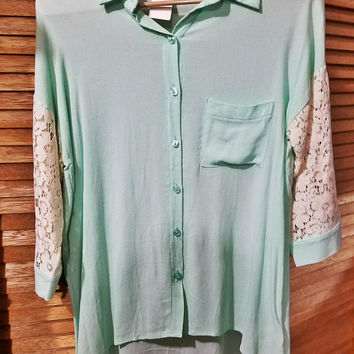 Button front Collared 3/4 sleeve Shirt with Lace