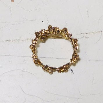 Antiqued Gold Round Brooch Small Leaves with Tiny Rhinestones Vintage