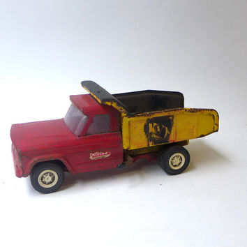 Vintage collectable 1960s metal Tonka Ford dump truck