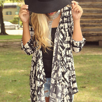 The Syracuse Black & White Brush Stroke Printed Cardigan With Asymmetrical Hem