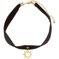 H&M Velvet Necklace $4.95
