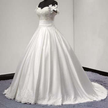 Detachable Bow Strap Satin Wedding Dresses with Pocket Sweetheart Ball Gown