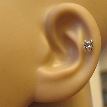 Tiny Itsy Bitsy Spider Cartilage Earring, Spider Tragus earring, Nose stud, Helix earring, silver cartilage earring