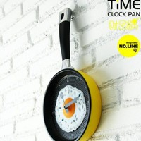 Unique Happy Time Pan Fried Egg Novelty Wall Clocks