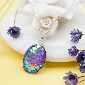 "Doreenbeads  Zinc Alloy Resin Oval Mermaid Fish/ Dragon Scale Necklace Silver Tone AB Color 47cm(18 4/8"") long, 1 Piece"
